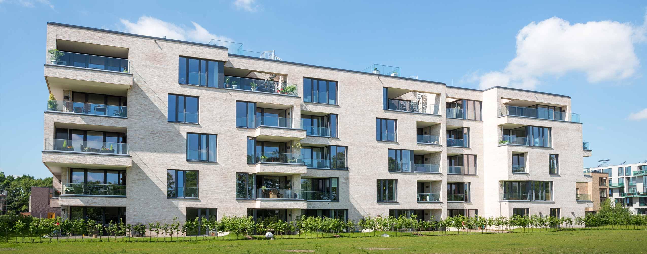 Wohnungs - und Geschäftsbauten